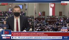 Reporter TVP Info Miłosz Kłeczek w Sejmie