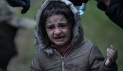 Dziecko uchodźców na granicy polsko-białoruskiej