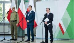Mariusz Kamiński i Mariusz Błaszczak na konferencji prasowej