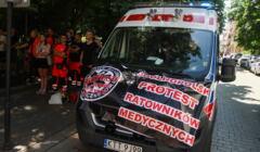 Protest ratownikow medycznych w Krakowie