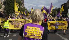 Manifestació a Berlin pel referendum  per l'expropiació de 240.000 vivendes a grans immobiliàries.