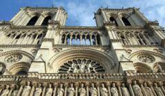 Katedra Notre Dame z dołu