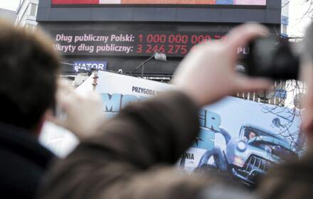 Pierwszy bilion na liczniku długu publicznego