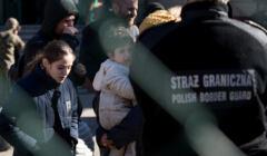 Michałowice, 27.09.2021. Uchodźcy pod posterunkiem Straży Granicznej