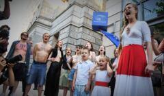 Warszawa, 10.06.2021. Dekolt dla białorusi - protest